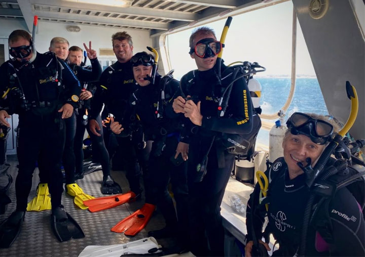Perth-Diving-back-deck-Lionfish-IV